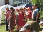 Sommer, Sonne, Sonnenschein: Gut erzogener Chor beim Proben zum wohltemperierten Sommer Open Air auf dem Dilsberg.